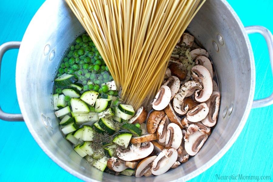 One Pot Vegan Mushroom Pasta