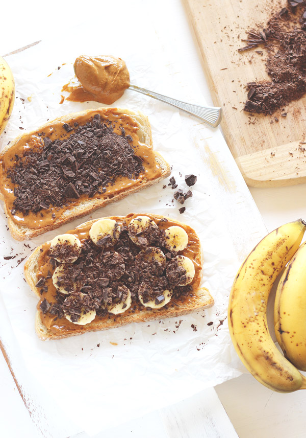 Grilled Chocolate Banana and Peanut Butter. Melted chocolate, creamy peanut butter and sweet bananas all wrapped up in one sandwich. All this amazingness in each and every bite! neuroticmommy.com #vegan #healthy