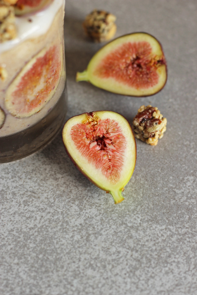 Creamy Fig and Cinnamon Fall Smoothie. It's like fall in a cup! Healthy, vegan, sweet, and delicious! NeuroticMommy.com #smoothies