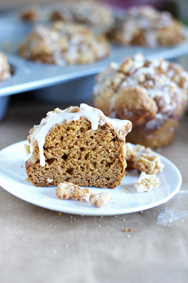 Pumpkin Streusel Muffins. Delicious. Moist. Healthy. All you need. #vegan #muffins neuroticmommy.com