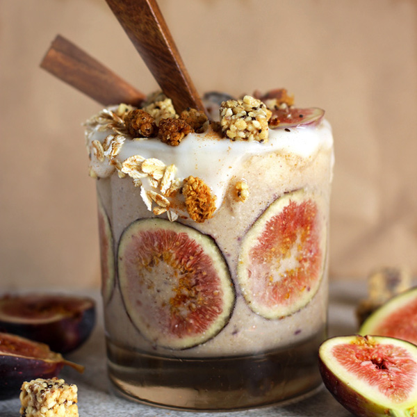 Creamy Fig and Cinnamon Fall Smoothie - It's Creamy. It's Bananas, It's Figgy. It's Sweet. It's Smooth. It's Fall. Omega-3 Rich. NeuroticMommy.com #vegan #smoothies #thanksgiving