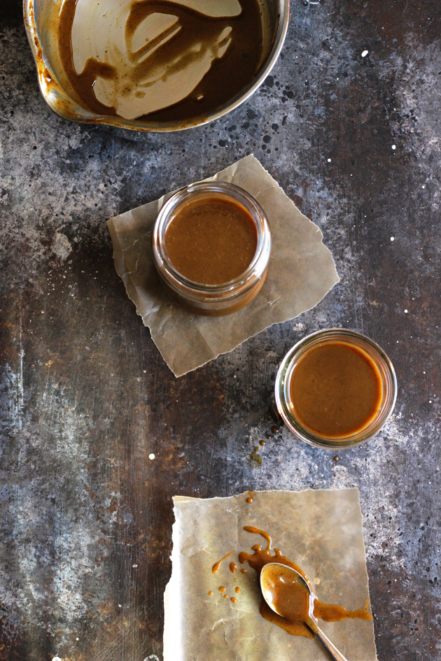 How to make vegan caramel sauce. It's literally the most delicious caramel ever. Keep it in your fridge and drizzle this on anything! NeuroticMommy.com #vegan
