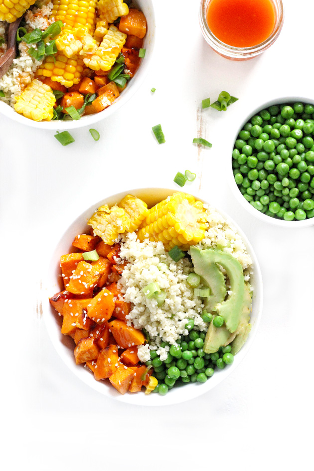 Sweet and Sour Cauliflower Rice Bowls are a super easy meal packed with sweet and savory flavors. The perfect balance of healthy carbs, fats and proteins.