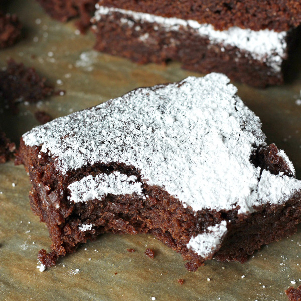 The Best Vegan Pumpkin Brownies - Chocolatey, cake-ish, decedent, with just the right amount of pumpkin. Tis the season! NeuroticMommy.com #vegan #brownies #thanksgiving #pumpkin
