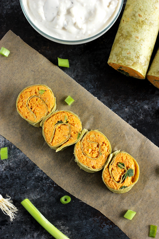 Buffalo Chickpea Pinwheels with Vegan Blue Cheese - Vegan fingerfood ...