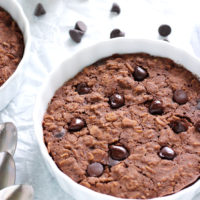 Easy Brownie Batter Breakfast Bake - Yes, you can have brownies for breakfast! #NeuroticMommy #vegan #chocolate