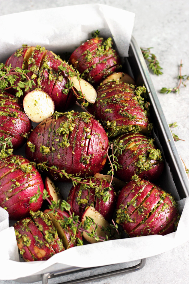 Pesto Herb Roasted Potatoes - Enjoy these oven baked pesto herb filled roasted potatoes that are completely heart healthy and naturally gluten and fat free. It's a triple win! NeuroticMommy.com #vegan #healthy