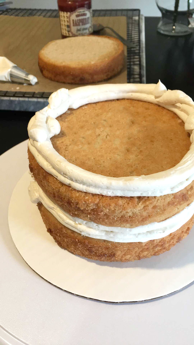 http://thegreenforks.com/vegan-birthday-cake/