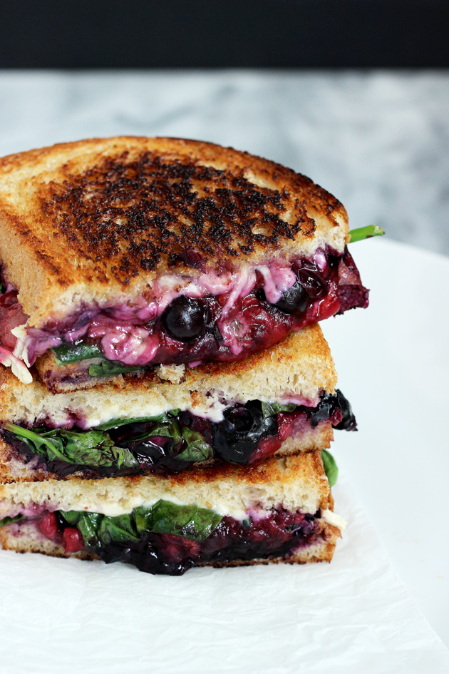 Balsamic Berry Vegan Grilled Cheese - This savory yet sweet sammie is perfect for summer vibes. Melty vegan cheese, berries, and spinach make this an ultimate winner for lunch or dinner! NeuroticMommy.com #vegan #healthy #lunch #beattheheat