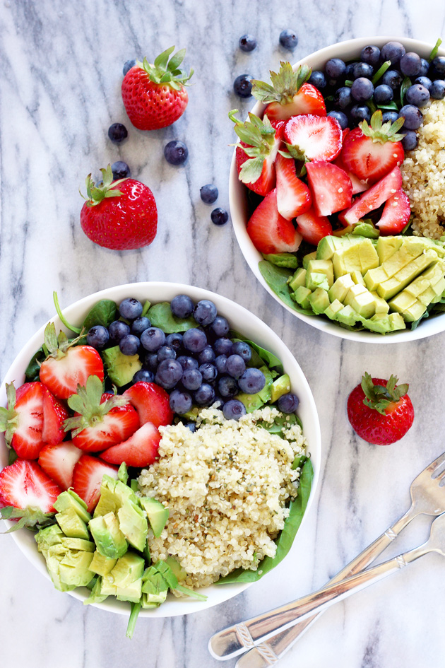 Strawberry Blueberry Quinoa Summer Salad - A healthy salad mixed perfecting with sweetness and coolness, packed with the right amount of plant based protein, ready to beat the heat. NeuroticMommy.com #healthy #vegan #salads