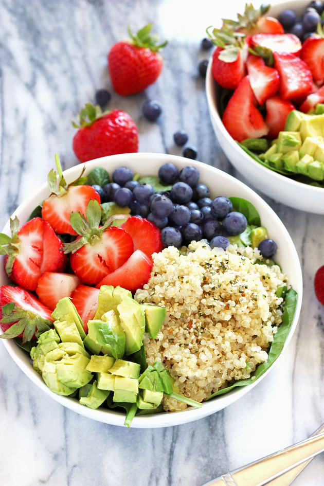 Strawberry Blueberry Quinoa Summer Salad | NeuroticMommy