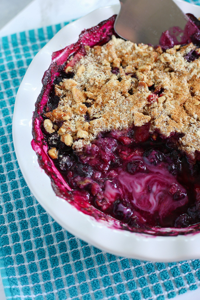 Mixed Berry Crumb Bake - This berry rich breakfast can be made as a healthy quick dessert too! Highly nutritious, naturally sweet, vegan and gluten free! NeuroticMommy.com #vegan #glutenfree #paleo