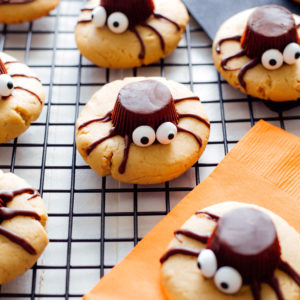 Spooky Spider Cookies - These peanut butter gems drizzled in sweet dark chocolate are chewy and full of deliciousness in every bite! Vegan NeuroticMommy.com