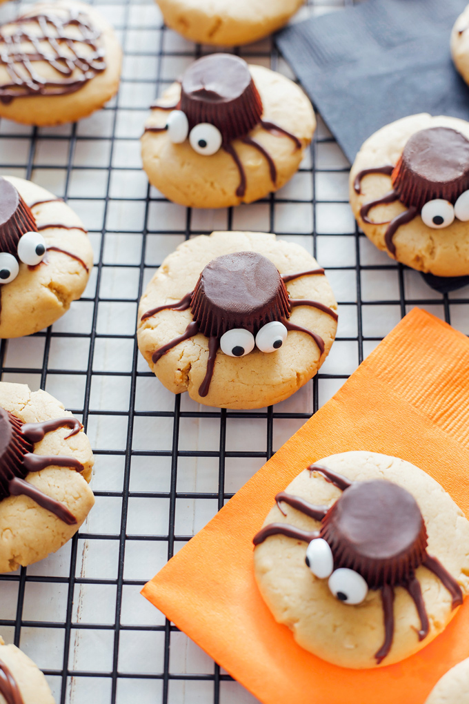 Spooky Spider Cookies - These vegan peanut butter gems are drizzled in sweet dark chocolate are chewy and full of deliciousness in every bite! The perfect tasty little snack for Halloween and super spooky! NeuroticMommy.com #vegancookies #halloween #vegansnacks