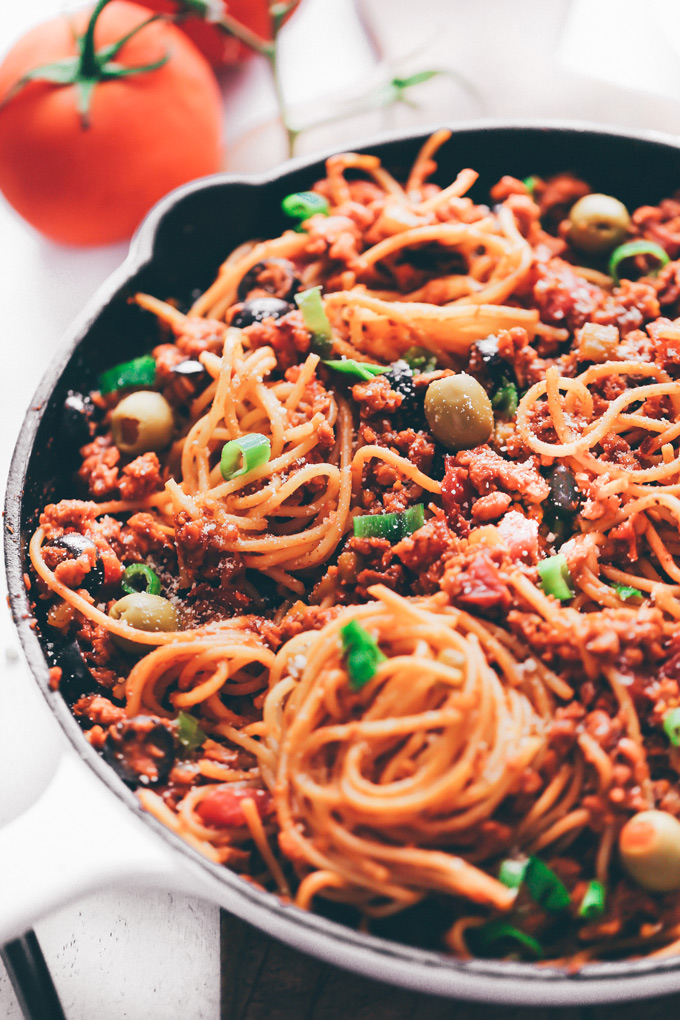 Vegan Taco Spaghetti - Spaghetti with all the delicious vegan cheesy taco fixings, an easy weeknight dinner, and super quick clean up! NeuroticMommy.com #vegan #vegantacos