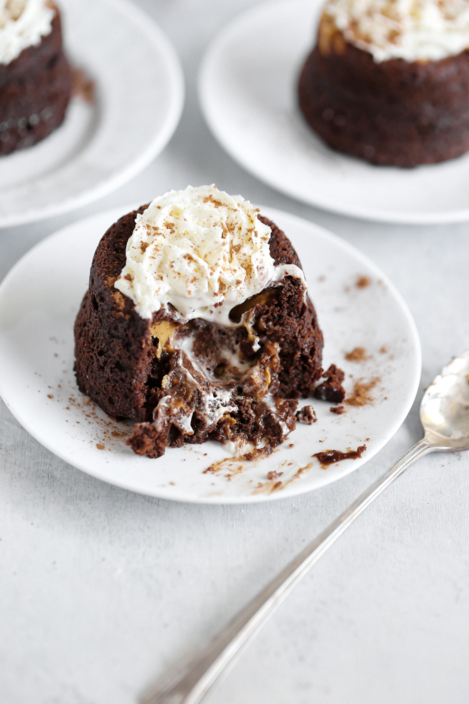 Vegan Keto Chocolate Peanut Butter Lava Cake - This is what real love looks like with an ooey, gooey peanut buttery center, this low carb chocolate decadence is the perfect keto treat. NeuroticMommy.com #veganketo #keto