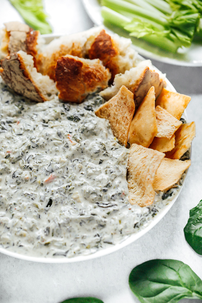 A creamy irresistable party perfect spinach dip that will always win the hearts of your family and friends. NeuroticMommy.com #vegan #Christmas #spinachdip
